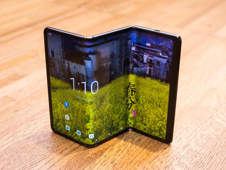 A triple folding phone? Hands-on with TCL's working DragonHinge prototype