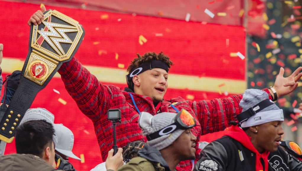 Chiefs News: Mahomes' contract could be worth $50M a year