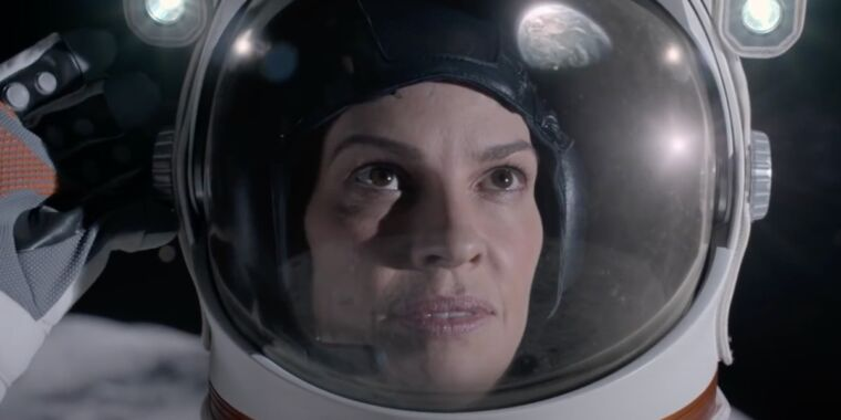 Mission to Mars: Hilary Swank leads an elite team in trailer for Away