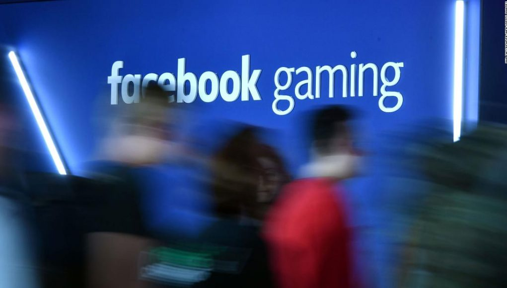 Facebook is trying to win gamers over politely now that Microsoft's livestreaming platform is dead