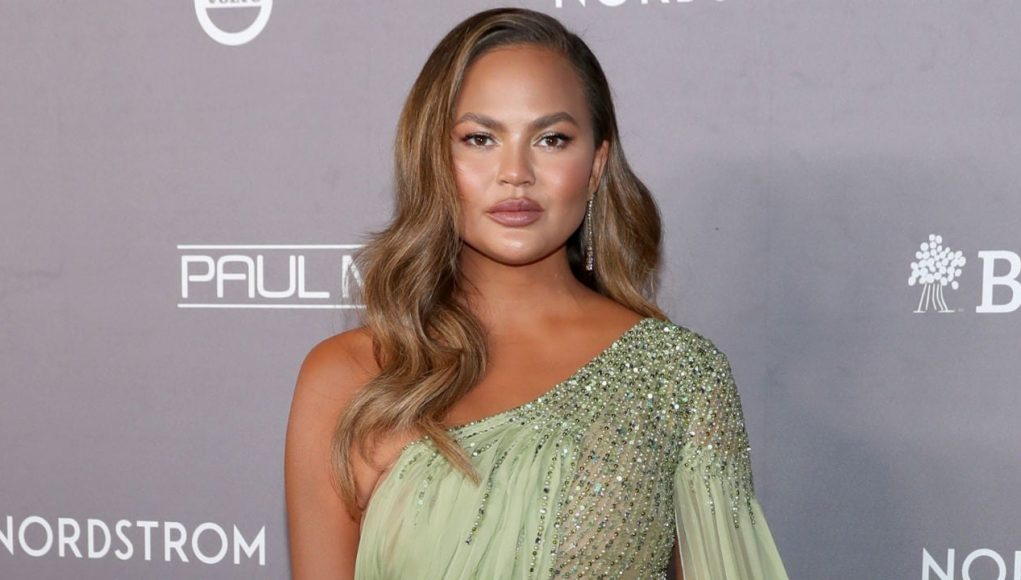 Chrissy Teigen Suffers Miscarriage